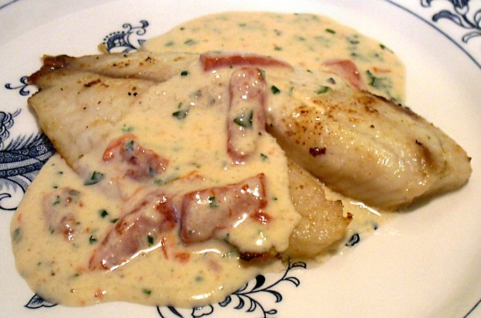 Creamy alfredo sauce with roasted peppers linda 39 s low for Creamy sauce for fish